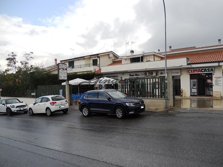 Locale Commerciale SETTEVILLE NORD 50G/17
