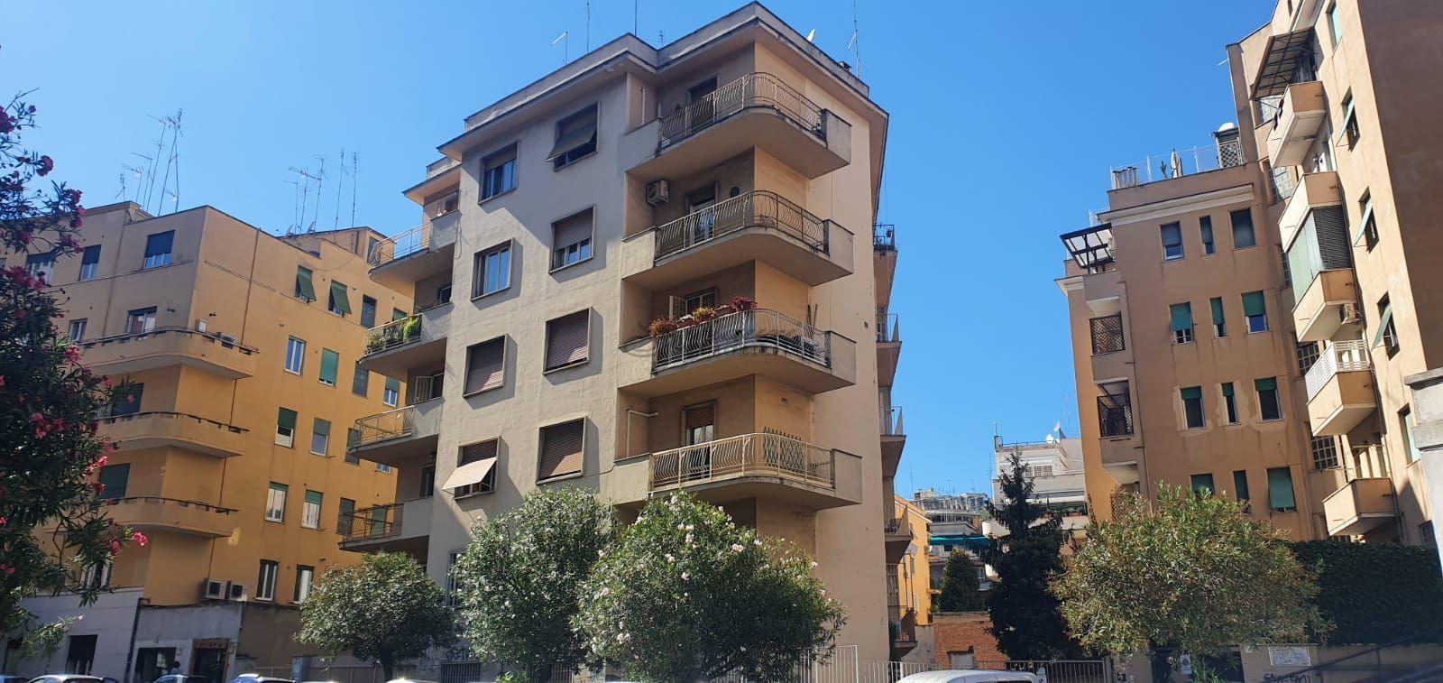 Piazza Acilia, appartamento di ampia metratura 42G/20