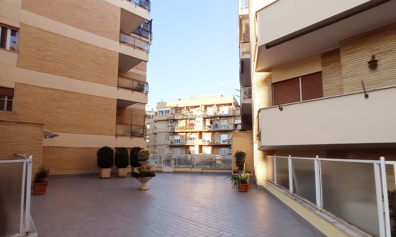 Ad.ze metro Battistini, appartamento panoramico 69G/20